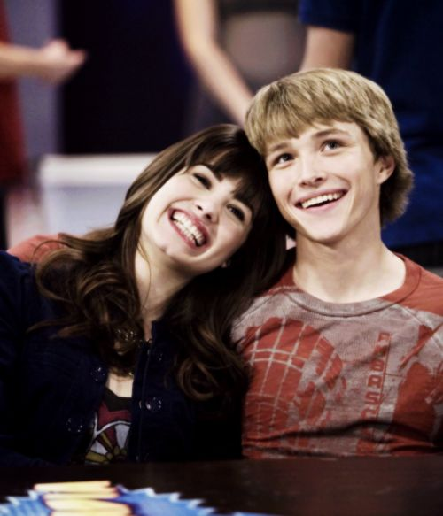 Imagem de demi lovato, channy, and sonny with a chance