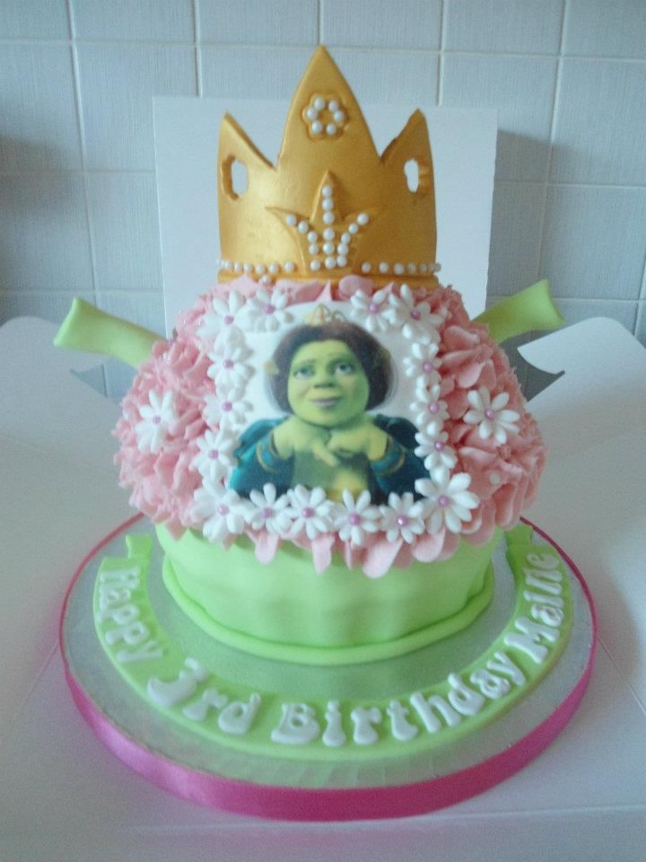 Princess Fiona From Shrek Giant Cupcake Cupcake Mania