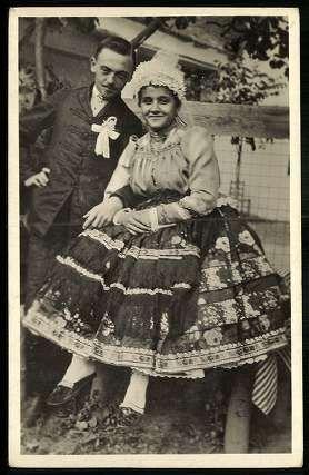 Baranya megyei vőlegény és menyasszony   Képeslapok   Hungaricana