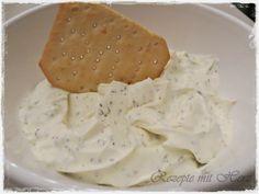 250 g Frischkäse  200 g Creme Fraiche mit Kräutern  2 EL ital. Kräuter  1-2 Zehen Knoblauch  60 g Mayonnaise  Salz      Knoblauch in de...