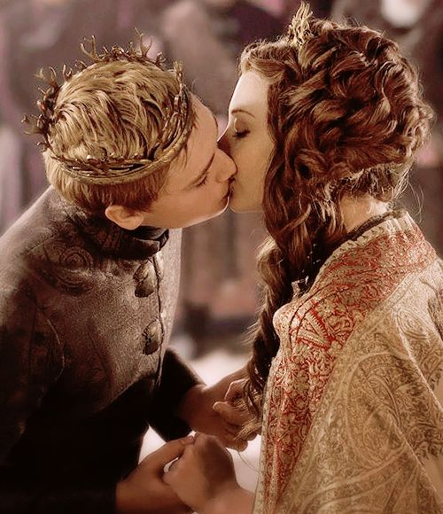 @isabellegeneva Tommen & Margaery - High Sparrow - Season 5 Episode 3.