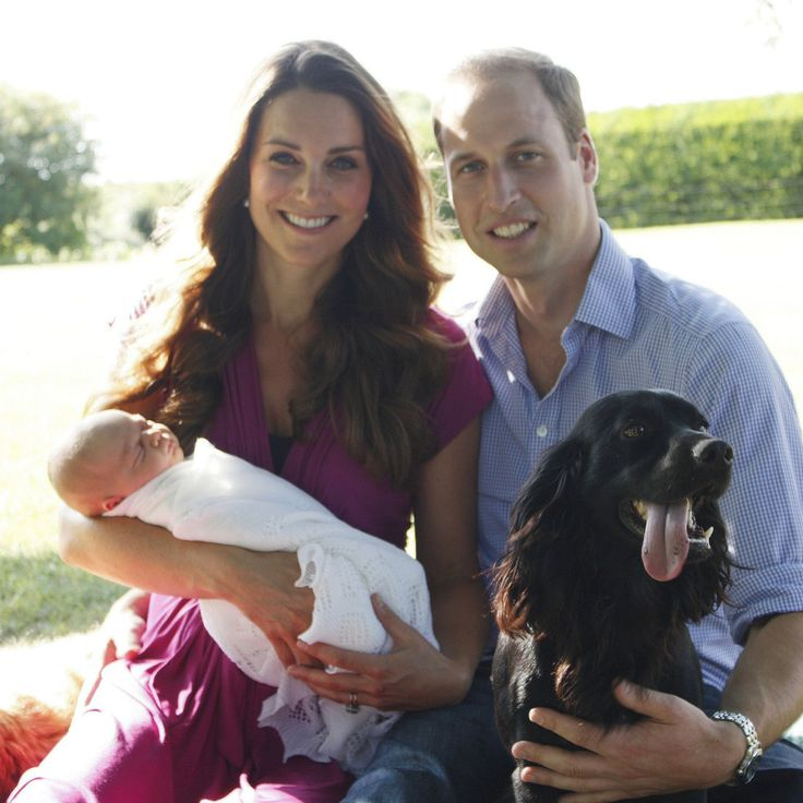 See Prince Georges First Official Family Photo!
