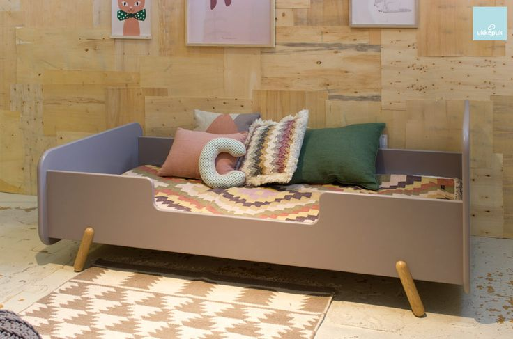 Vrolijk juniorbed. Design bed van Nederlandse bodem! Design toddlerbed. Kidsdesign from the Netherlands