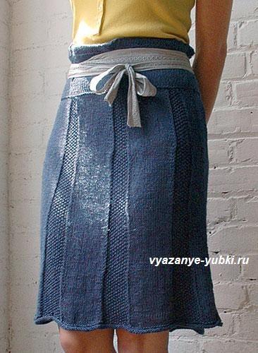 синяя вязаная юбка спицами из клиньев