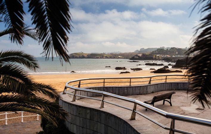 Playa de La Palmera, municipio de Carreño