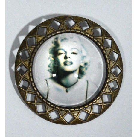 Para los amantes de la Diva eterna, llaveros y broches de Marilyn Monroe ❤❤❤ Modelos únicos ⬇⬇⬇ ❗ENVÍOS GRATIS❗⬇ http://www.misstendencias.com/22-llaveros http://www.misstendencias.com/21-broches  #tendencias #llaveros #broches #marilynmonroe #outfit #modelosunicos #blogger #regalos #detalles #barato #dateuncapricho #navidades #regalosnavidad #adelantatealanavidad #cool #style