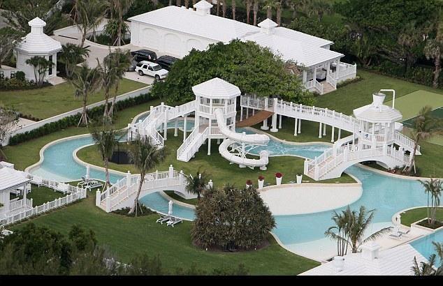 Latest News: Celine Dion swimming pools photos