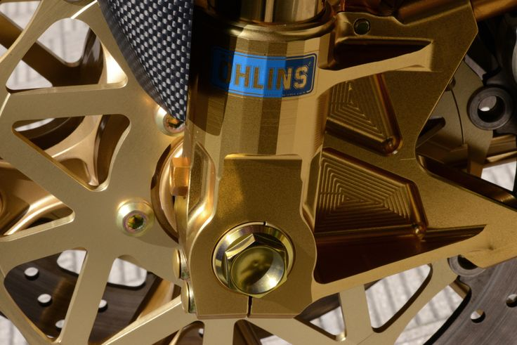 Yamaha R1 SP Ohlins fork