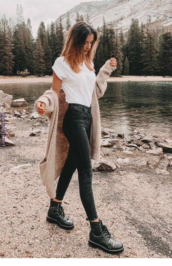Bezaubernde Outfits mit schwarzen Jeans für Inspiration Miladies.net # Outfits