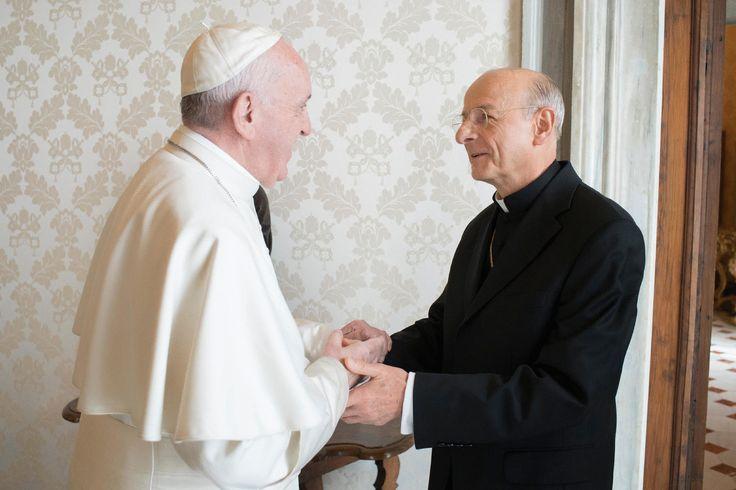 El Papa Francisco recibe al nuevo Prelado del Opus Dei, Mons. Fernando Ocáriz (fotografías).