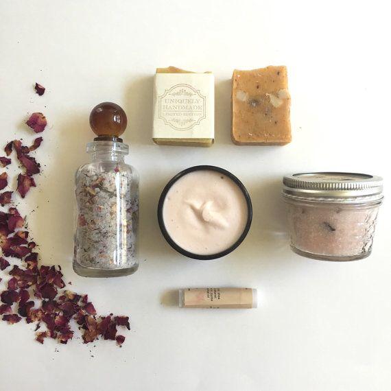 Rose Spa Gift Set, Spa Box , Bath & Body Gift Set - Wedding gift, for Her, Mom, Holiday, Christmas
