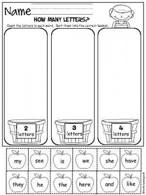 How Many Letters? Students sort words into apple baskets by the number of letters in each word. Freebie printables for Kindergarten and preschool.