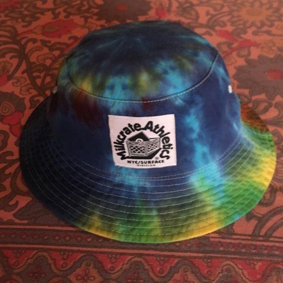 Tie Dye Bucket Hat Super cute barely worn tie dye bucket Tilly's Accessories Hats