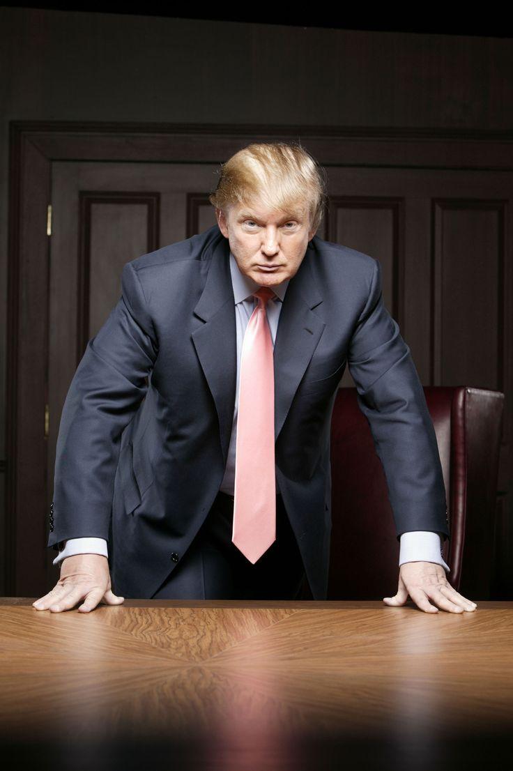 До́нальд Джо́н Тра́мп (англ.  Donald John Trump; род. 14 июня 1946 года, Куинс, штат Нью-Йорк, США) — американскийбизнесмен, известная личность на телевидении и радио, писатель.