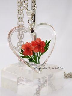 Colier pandantiv inima si flori uscate rosii