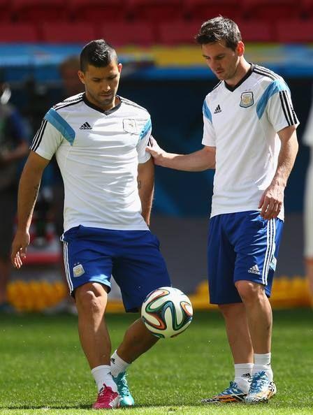 """""""Kun"""" Aguero y Messi 2 Crack"""