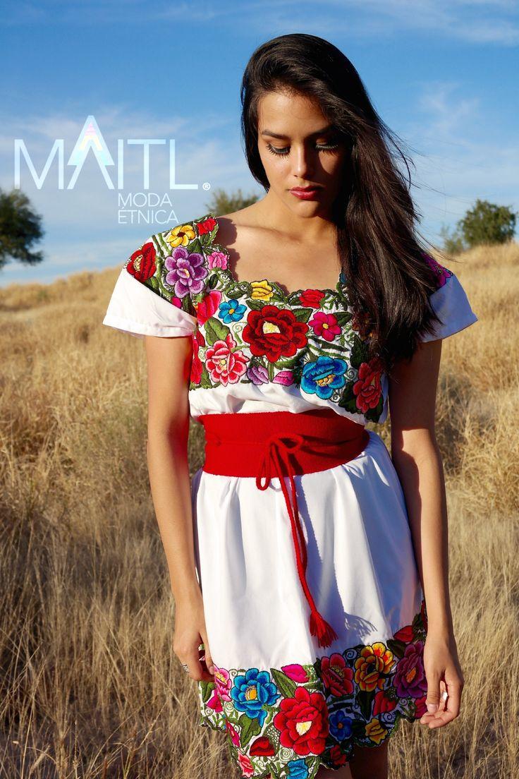 Yucatan huipil handmade handembroidery embroidery boho chic available online store instagram @maitl_moda_etnica Facebook Maitl Moda Etnica