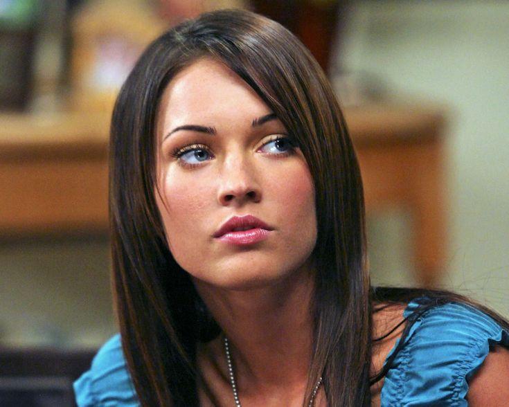 """Megan Fox'un Sağlık Sırrı """"Elma Sirkesi""""  Doğal güzelliğini elma sirkesine borçlu olduğunu söyleyen, dünyaca ünlü yıldız Megan Fox, """"diyetlerle zaman kaybetmek bana göre değil"""" dedi.  Megan Fox, vücudunu zararlı maddelerden arındırmak için elma sirkesi kullanıyor."""