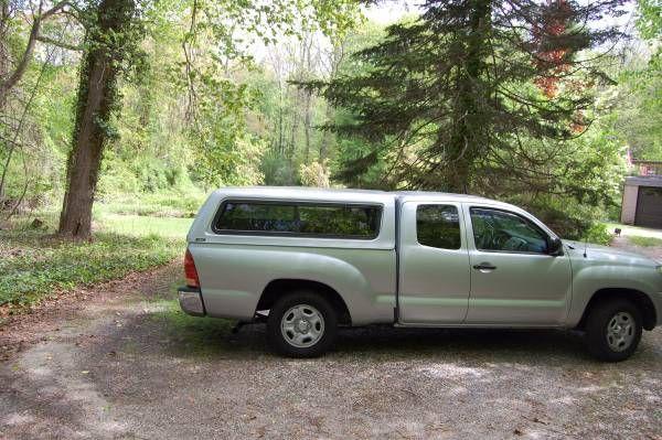 toyota tacoma truck cap (east northport) $550