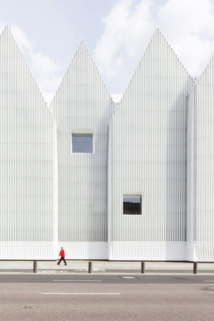 Image 9 of 12. Philharmonic Hall Szczecin. Image © Laurian Ghinitoiu
