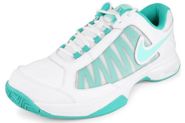 Nike Women's Zoom Courtlite 3