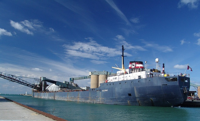 Algoway taking salt from Goderich, Ontario.