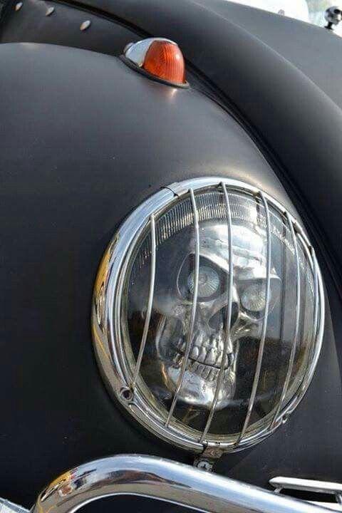 Skull headlight....OMG I need these for my vehicle!!!