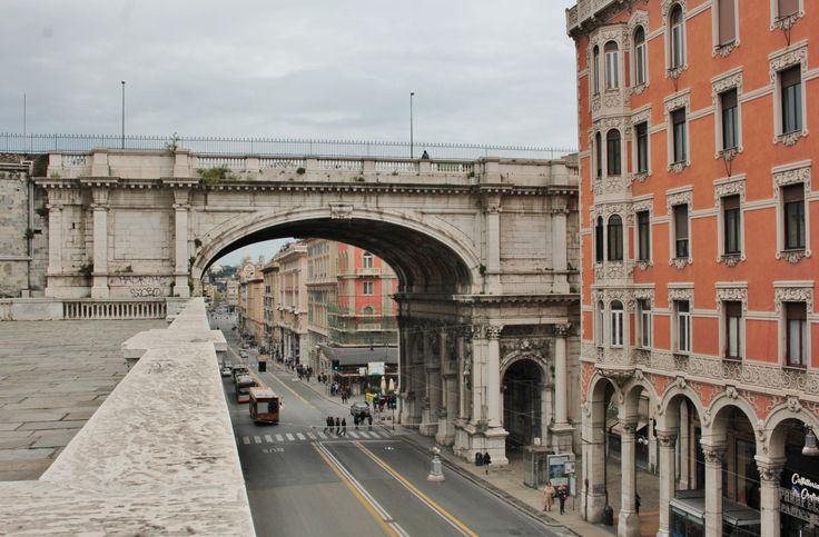 http://genova72h.altervista.org/il-ponte-monumentale-una-strada-insolita/