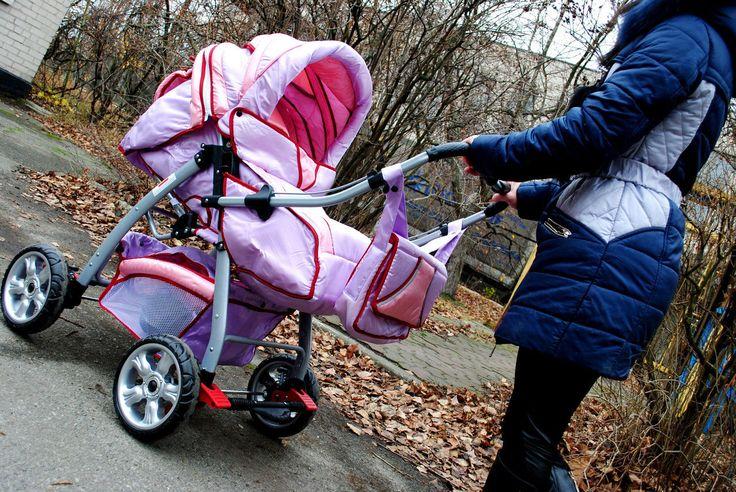 Подбираем детскую коляску для новорожденного  Почетное место в быту занимают коляски для детей. Благодаря современным моделям качественных и безопасных детских колясок у взрослых исчезла необходимость менять свои привычки и образ жизни в семье http://opt.expert/articles/podbiraem_detskuyu_kolyasku_dlya_novorozhdennogo  #optexpert #вебмаркет