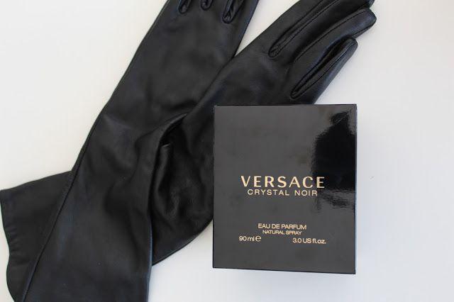 For girls: Perfume | Crystal Noir-Versace