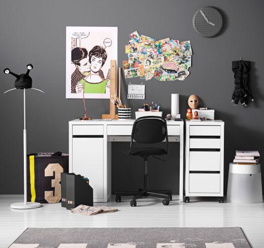 Scrivania bianca, cassettiera con rotelle e sedia girevole nera con rotelle - IKEA