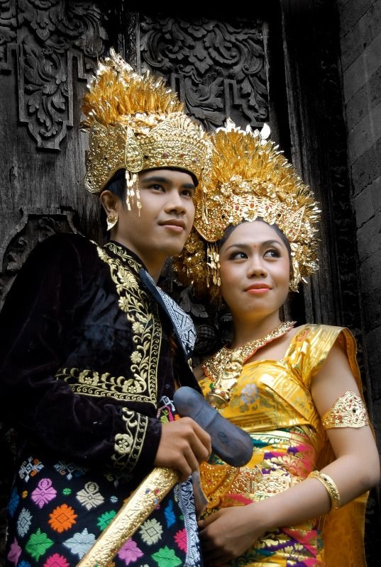 Indonesian traditional bride & groom. #wedding
