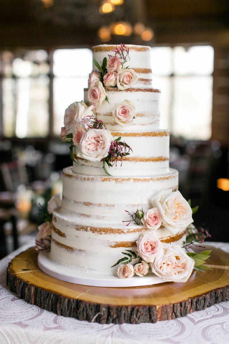Zach's Cabin Winter Weddding   Beaver Creek echte Hochzeit   – Wedding cakes…