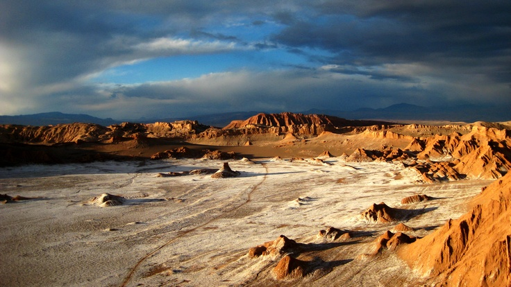 """The wonderful """"Valle de la Luna"""" near San Pedro di Atacama in Chile. I spent nearly 2 days on a bus from Pucon in the lake district of mid chile, through Santiago and all the way thru the atacama desert to arrive for a few days of beautiful landscapes and wonderful people."""