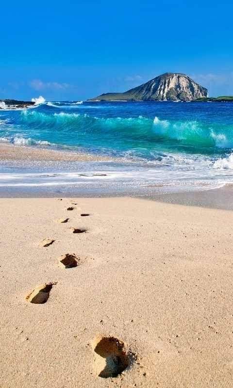 Footprints in the Sand...  (footprints) (footprints in the sand) (pictures of footprints) (footprints poem)  #h20footprints #footprintinthesand #beach #nature