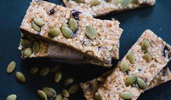 Gluten free quinoa muesli bars