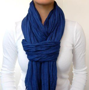 Pretty chic way of wearing scarf