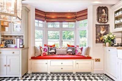 Невероятно уютные подоконники как место для отдыха. Фото