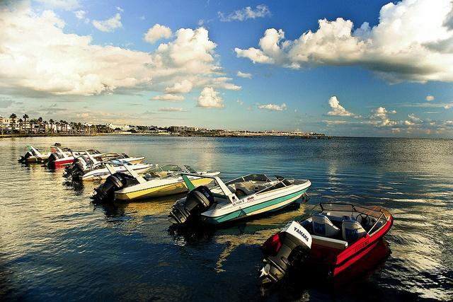 Bootjes-samiryounsi-Griekenland by Thomas Cook Belgium, via Flickr