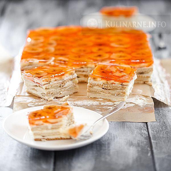 Ciasto bez pieczenia z kremem budyniowym i bananami | Przepisy kulinarne ze zdjęciami