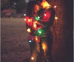Engagement Photo Idea: Christmas Lights | Bride Ideas