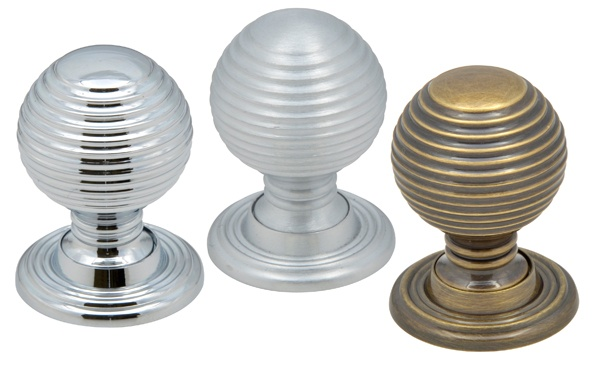 Classic Queen Anne traditional knobs now in stock:    http://www.kitchenfittingsdirect.com/blog/posts/2013/april/11th/kitchen_handles_and_knobs_queen_anne_offer