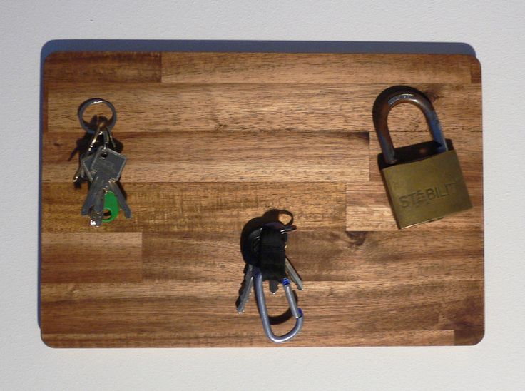 magnet schl sselbrett aus akazienholz 36x24 cm von die. Black Bedroom Furniture Sets. Home Design Ideas