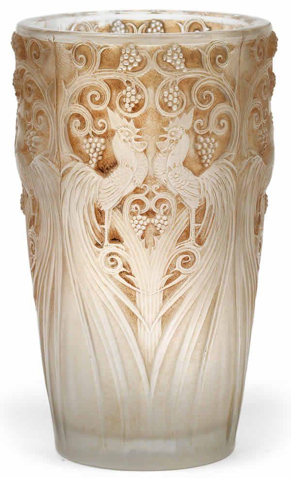 R Lalique Vase Coqs Et Raisins Ren Lalique Glass Pinterest