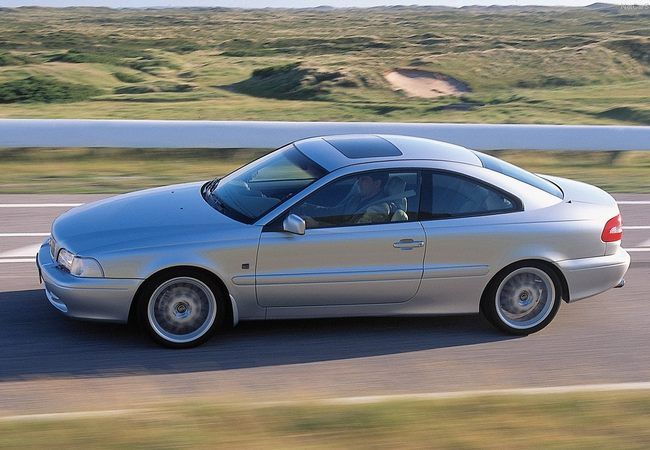 Volvo C70 Coupé - 1996/2002 ✏✏✏✏✏✏✏✏✏✏✏✏✏✏✏✏ IDEE CADEAU / CUTE GIFT IDEA  ☞ http://gabyfeeriefr.tumblr.com/archive ✏✏✏✏✏✏✏✏✏✏✏✏✏✏✏✏