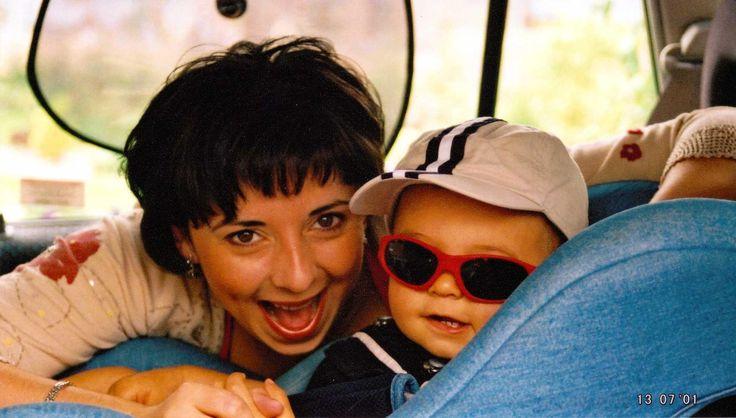 Povestea branduluiJackson & Reece începe în anul 1990 și ne arată îndârjirea cu care doi părinți au reușit să-și creeze propriile produse de îngrijire adecvate pentru pielea bebelușului lor.   Cei doi părinți, Janet și Colin, au fost foarte fericiți la nașterea bebelușului lor. Nașterea a decurs normal,