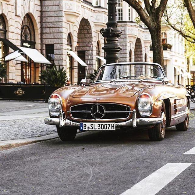 Mercedes-Benz 300SL 📷 Vintagecardreams 1st account: @Classic_Car_Garage 2nd account: @PetrolHead.Nation 3rd account: @ClassicsIG Send us photos or ...