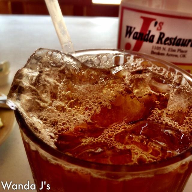 Best sweet tea at Wanda J's in Broken Arrow off Elm.Wanda J S, Sweet Tea, Tulsa Drinks, Sweets Teas, Broken Arrows, Tulsa Eating