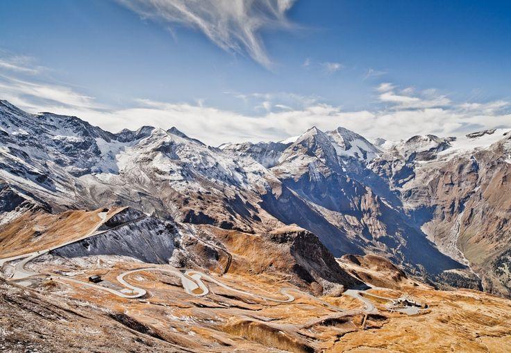 De #Großglockner #Hochalpenstraße wordt door velen gezien als een van de mooiste bergwegen ter wereld! #Oostenrijk #Alpen #reizen