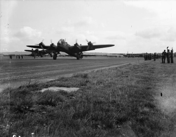 """Operation MARKET I: the airborne operation to seize bridges between Arnhem and Eindhoven, The netherlands, (part of Operation MARKET GARDEN). """"Shorty George"""", A Short Stirling Mark IV glider tug of No. 295 Squadron RAF starts its take-off run at Harwell, Oxfordshire, towing an Airspeed Horsa Mark I with troops of the 1st Airborne Division on board, bound for Landing Zone (LZ) 'N' near Nijmegen, Holland. Taken between 11.20 and 11.40 on the morning of 17 September 1944."""